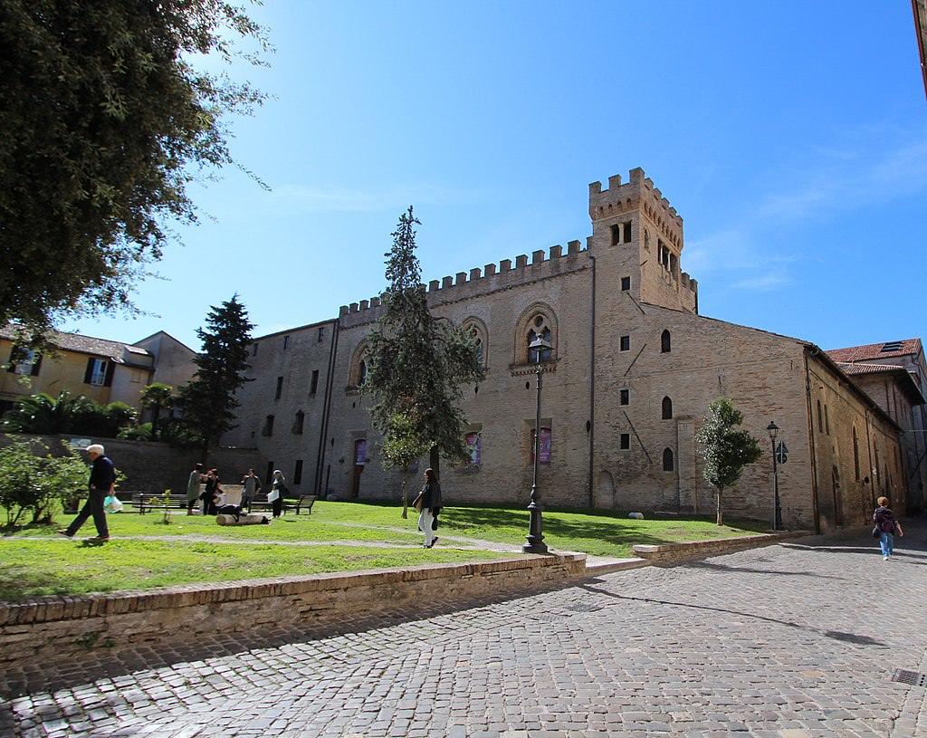 Castello Montegiove Fano
