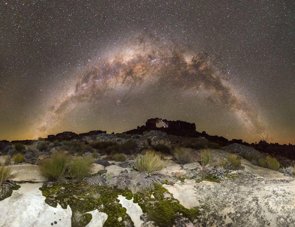 La Star Suite delle rocce in Sudafrica: una magnifica visione della via Lattea